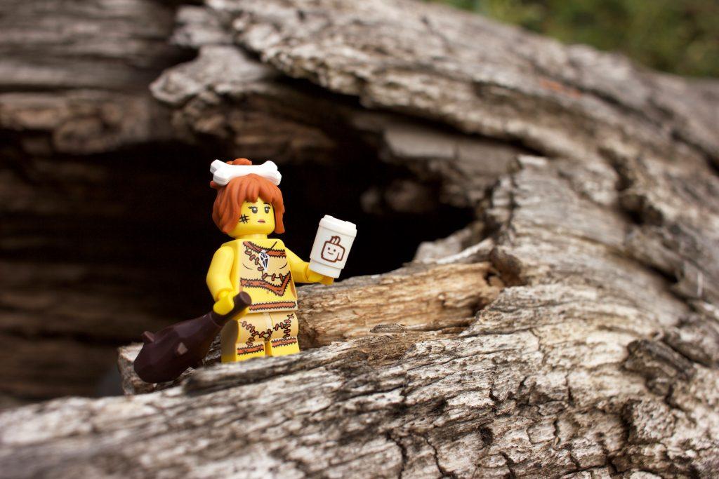 lego-cavewoman
