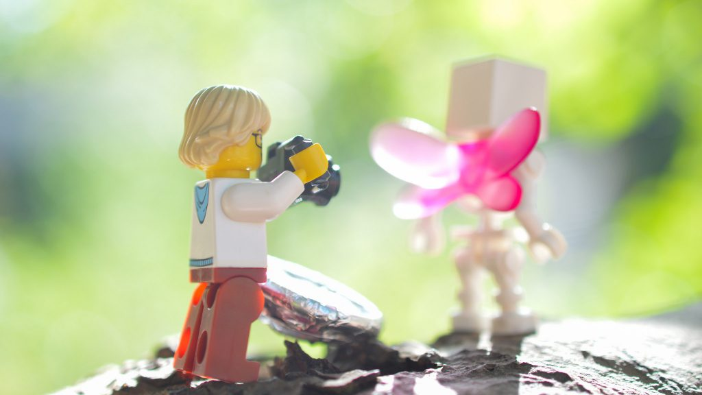 Minifigure photographer at play