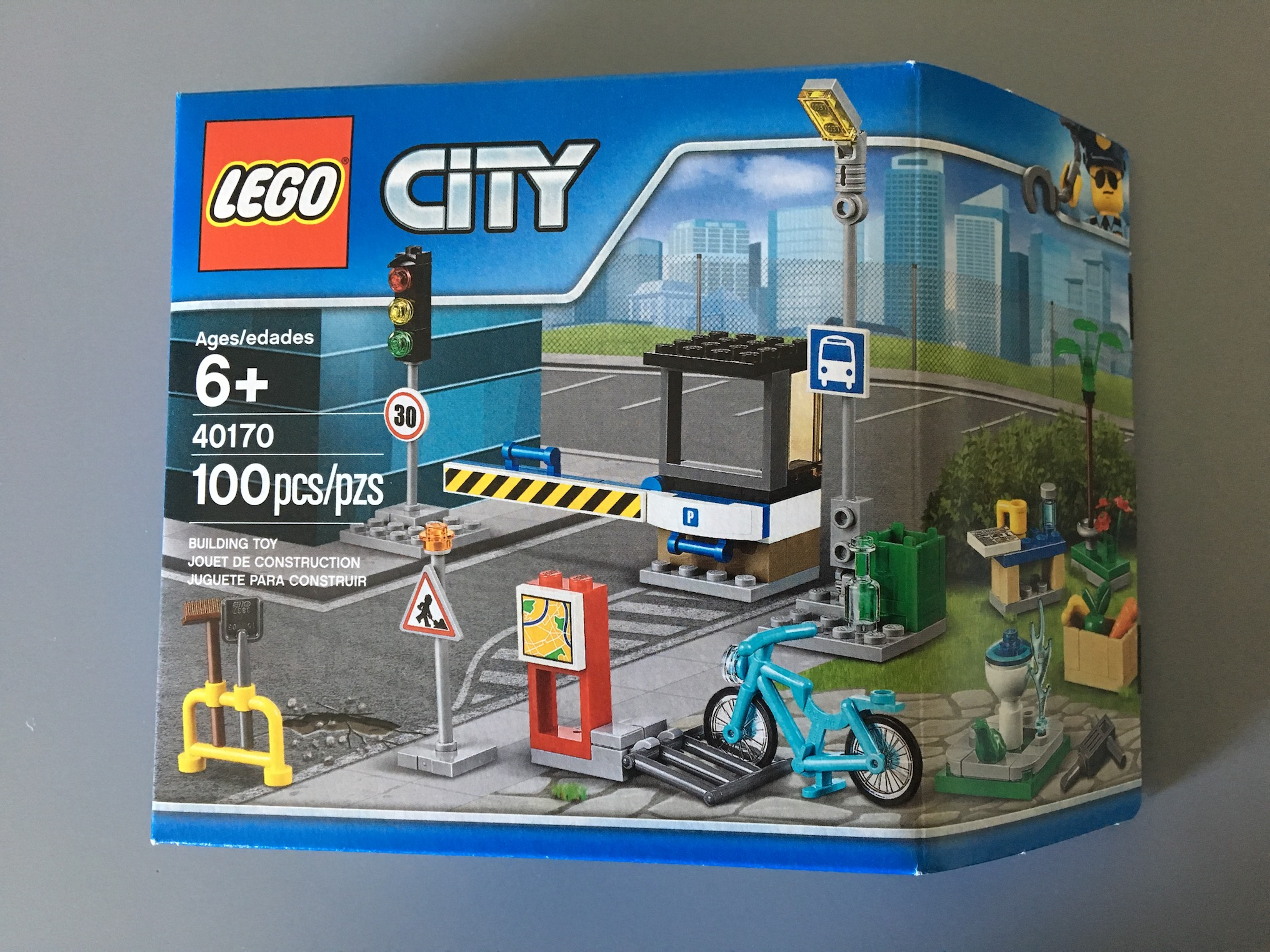 LEGO City 40170 Build My City accessory set
