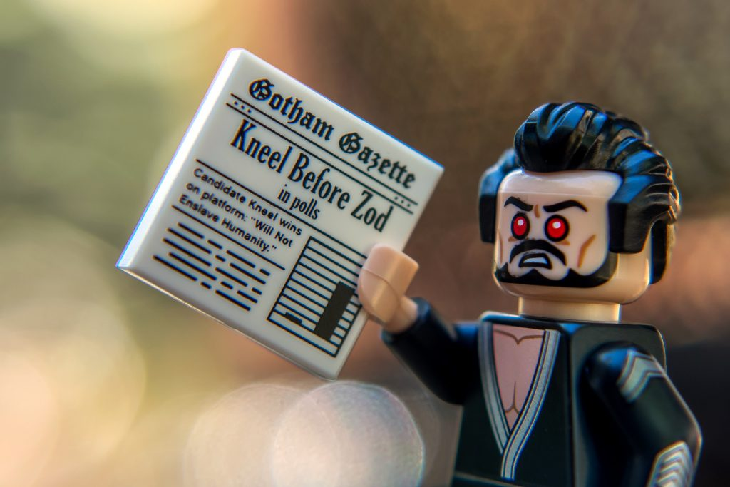 The Batman Movie Series 2 CMF Review: Kneel Before Zod