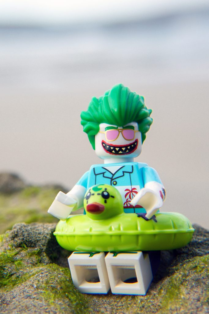 The Batman Movie Series 2 CMF Review: Beach Joker