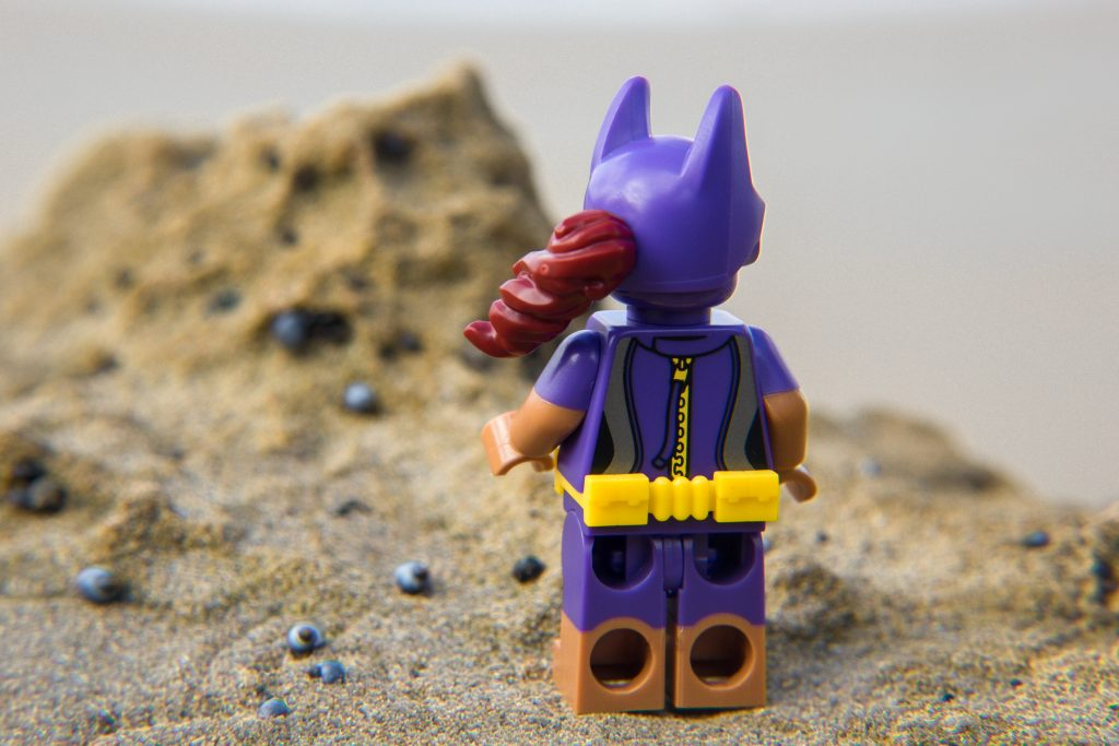 The Batman Movie Series 2 CMF Review: Beach Batgirl