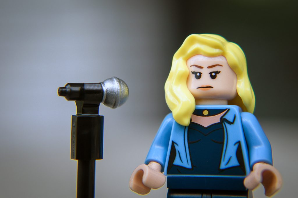 The Batman Movie Series 2 CMF Review: Black Canary