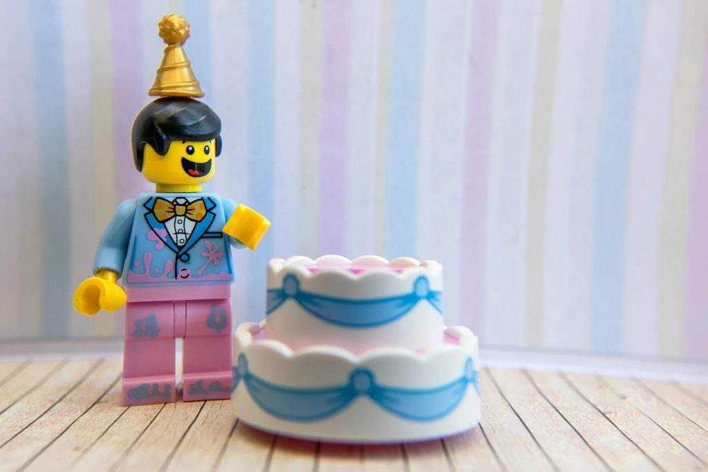 Series 18: Let them build cake!