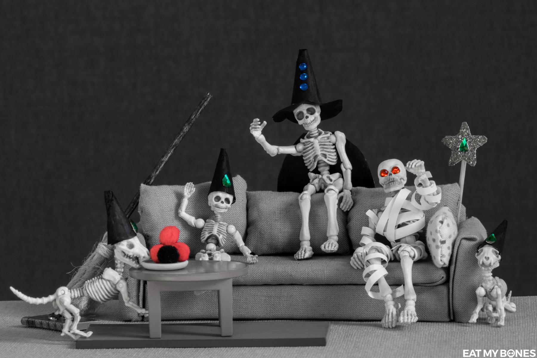 Halloween skeletons by Karine Linder Eat my Bones