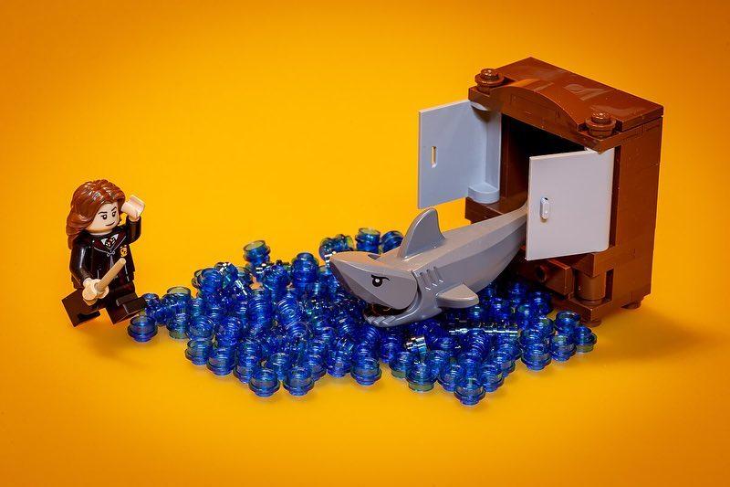"Riddikulus: ""Sharks from a wardrobe?!?"" - @ilcarota"