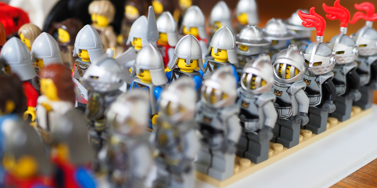 Crowd control – Getting your Minifigures in order