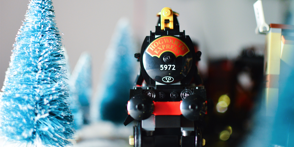 Harry Potter and the Hogwarts Express (a toy photographers review)