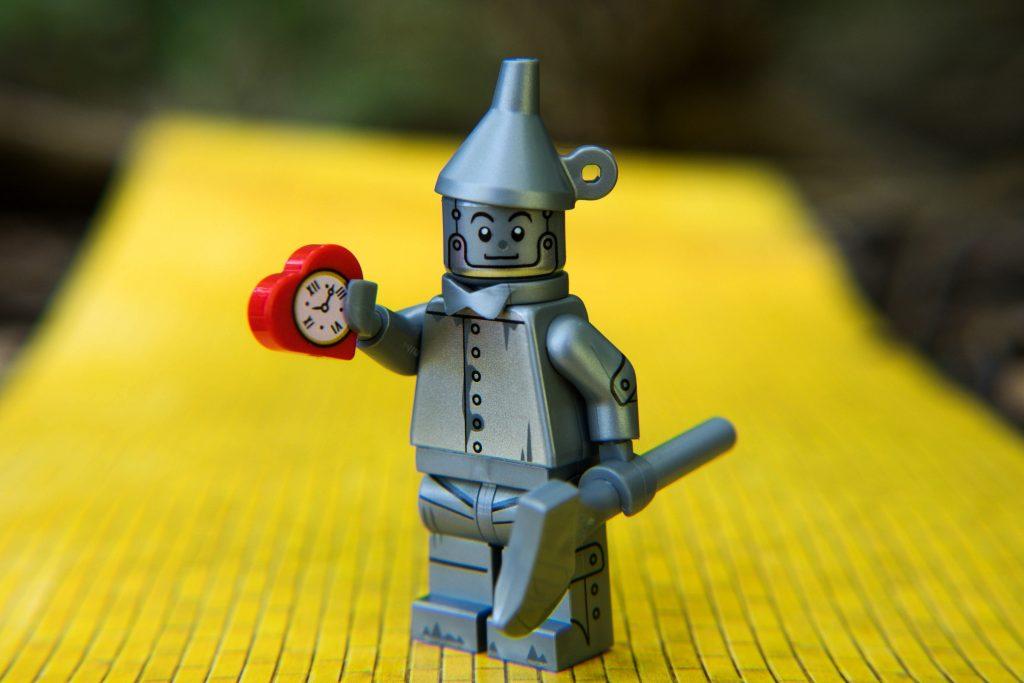 The LEGO Movie 2 Minifigure Review: Tin Man