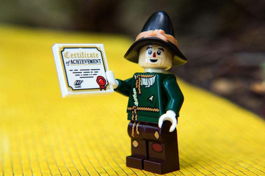 The LEGO Movie 2 Minifigure Review: Scarecrow