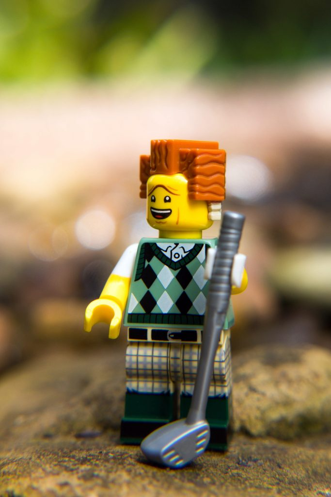 DSC0The LEGO Movie 2 Minifigure Review: Golfing President Business