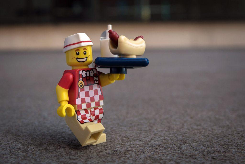 Series 17 Review: Hot Dog Vendor