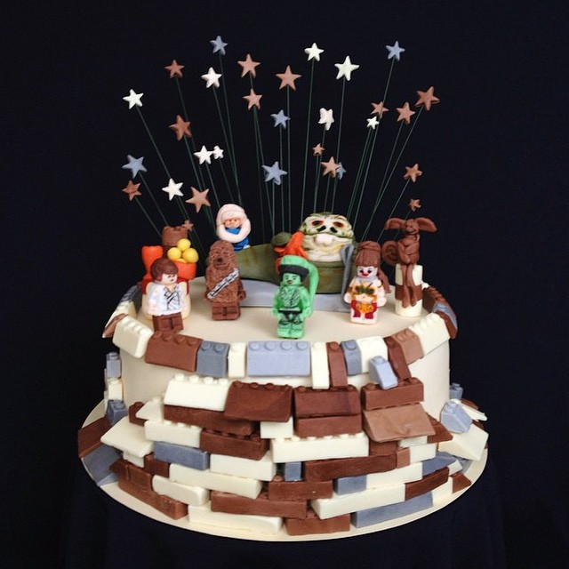 Carin's amazing Jabba's Jamboree cake!