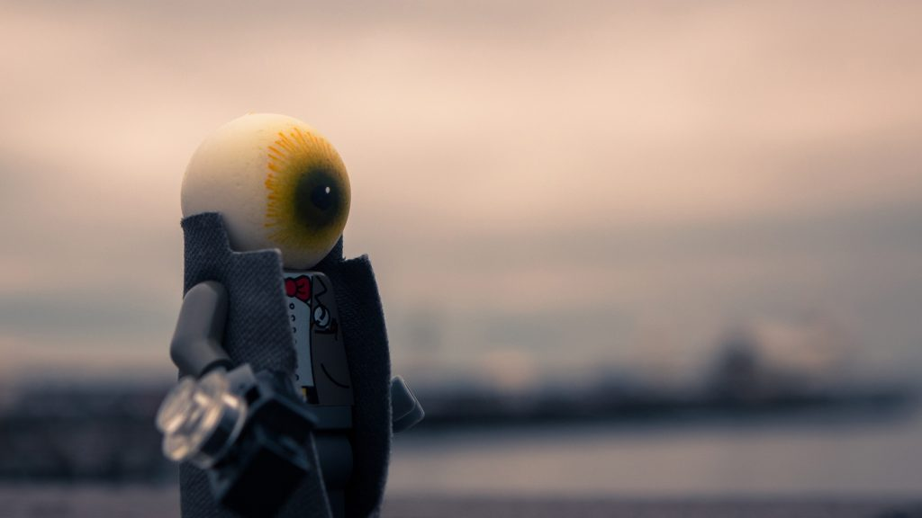 Shooting someone's shtick: Private Eye