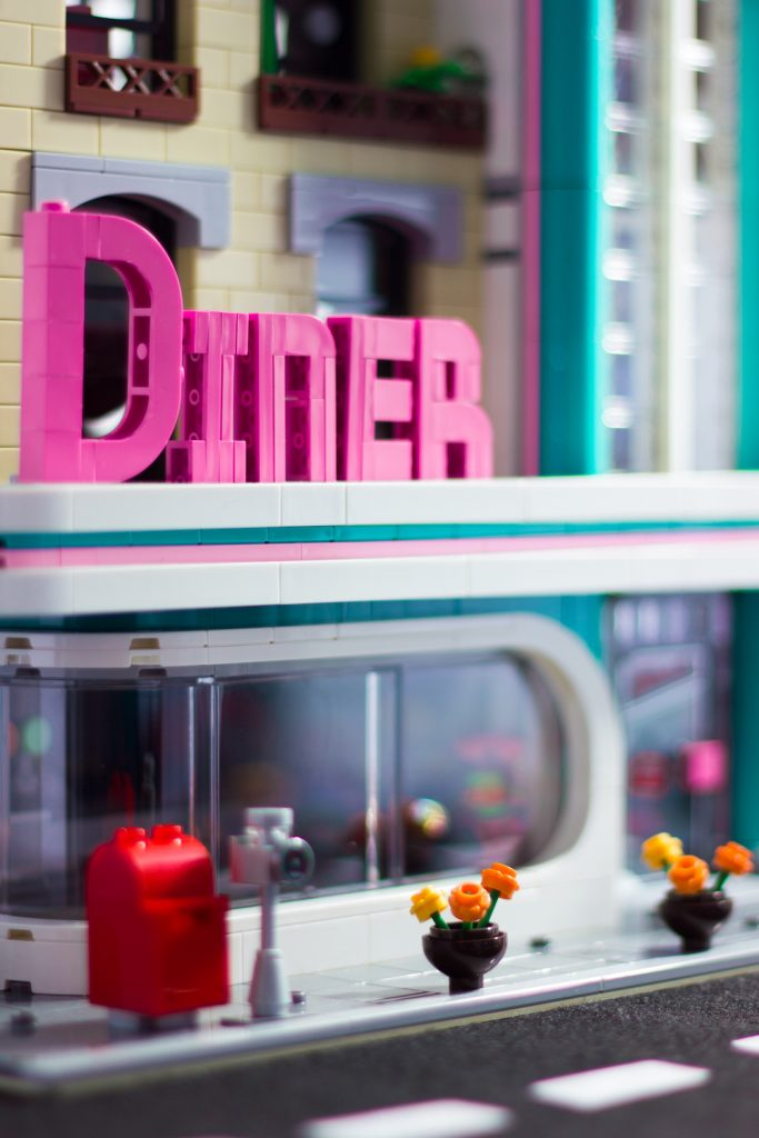 LEGO Downtown Diner modular building by James Garcia