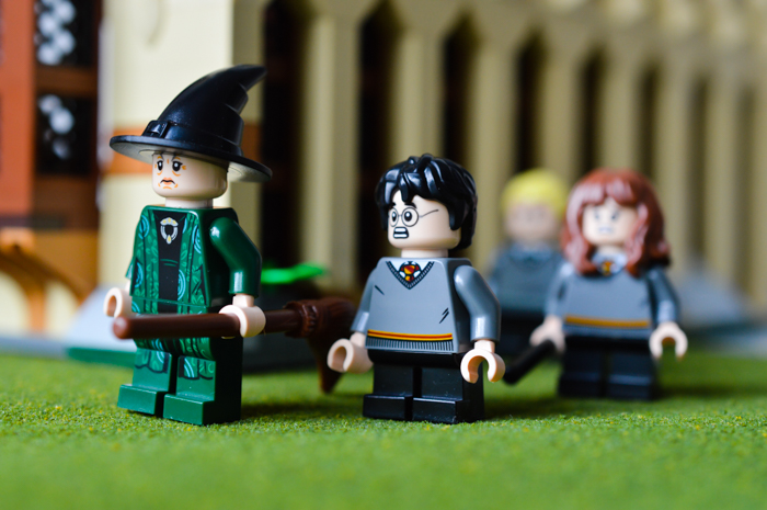 LEGO Harry Potter Great Hall outside