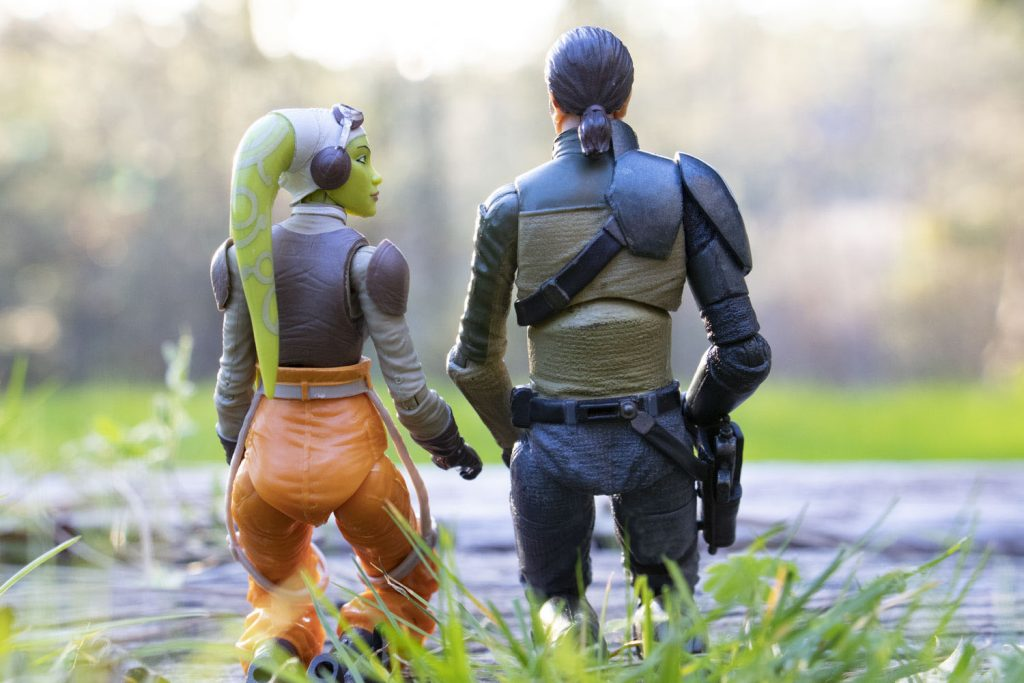 Hera and Kanan kneeling by @teddi_toyworld