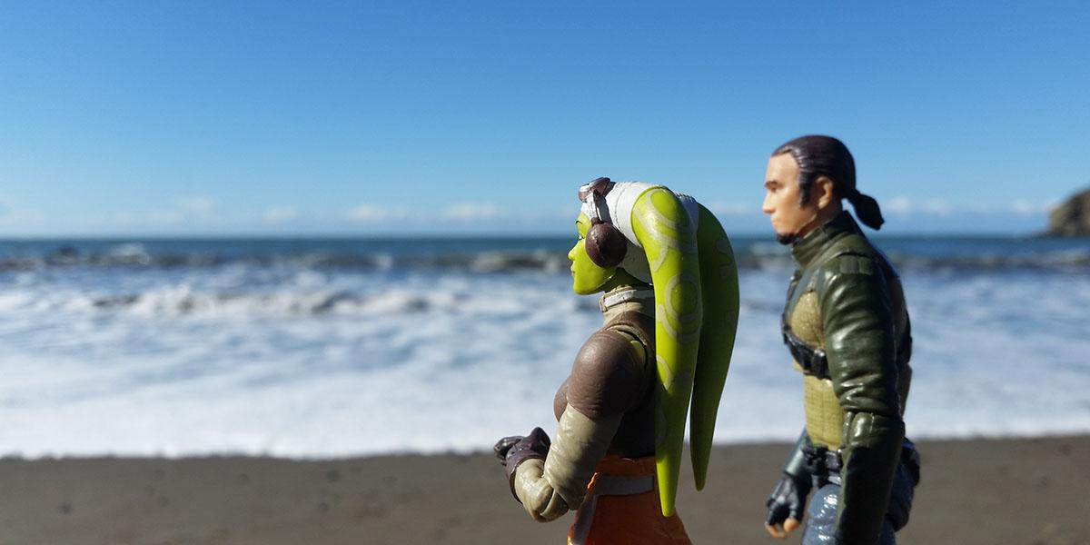 Hera and Kanan at the beach by @teddi_toyworld