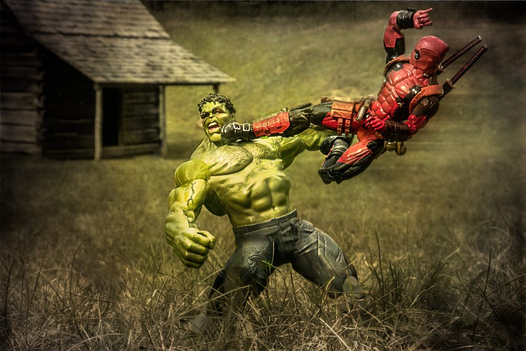 Hulk v Deadpool