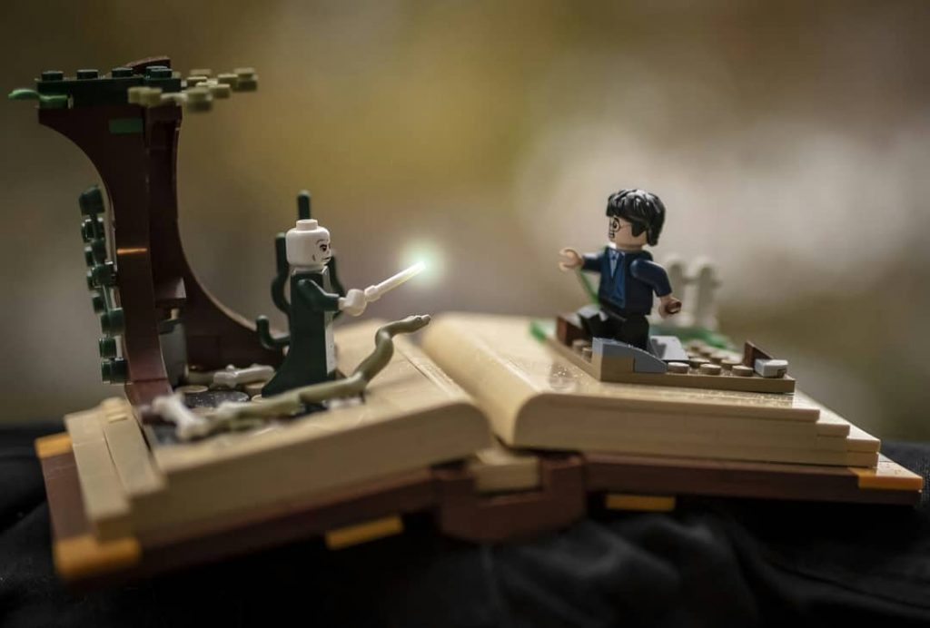 "Riddikulus: ""No place for Boggart on this page... Riddikulus!"" - @ minifiguresadventures"