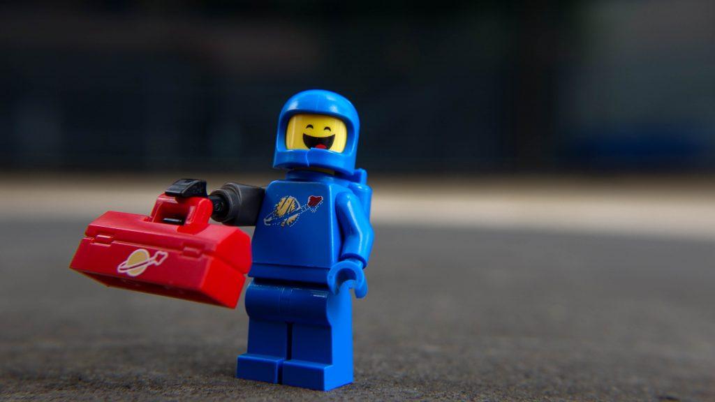 The LEGO Movie 2 Minifigure Review: Apocalypseburg Benny