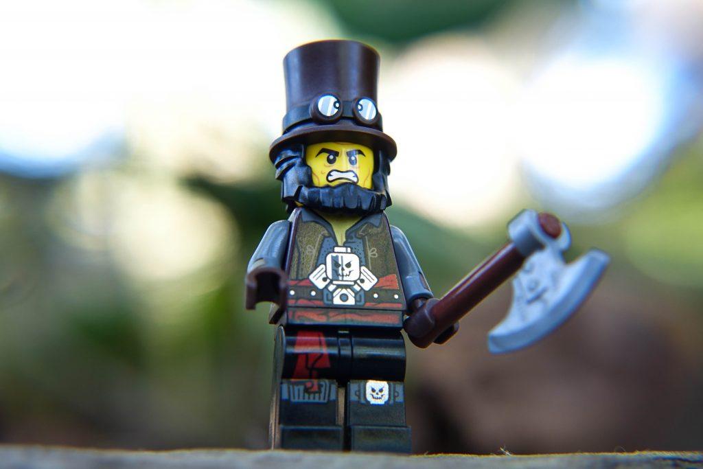 The LEGO Movie 2 Minifigure Review: Apocalypseburg Abe