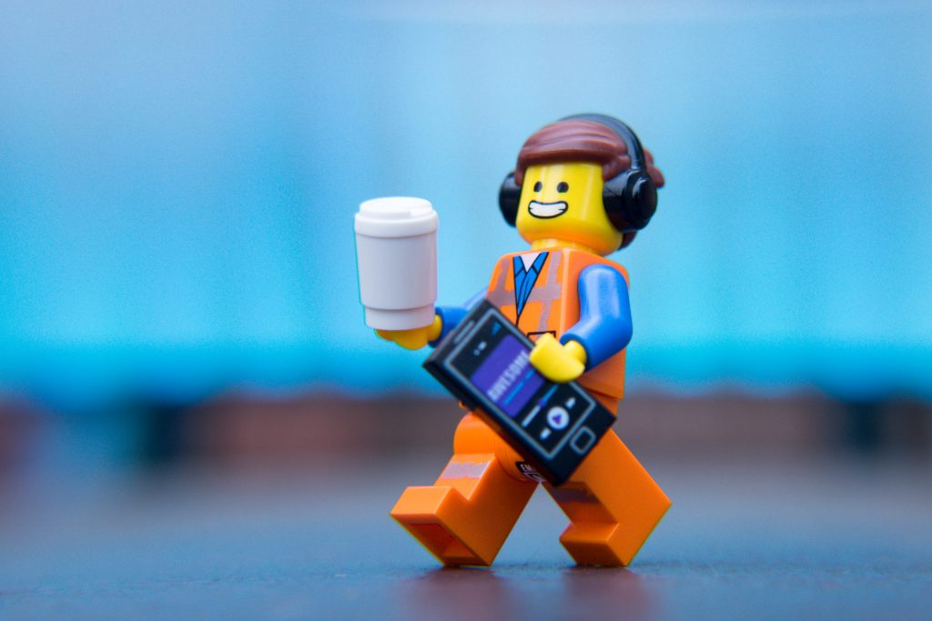 The LEGO Movie 2 Minifigure Review: Emmet