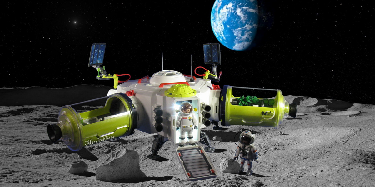 """Welcome aboard, Astronaut! – """"Space Station"""" 9487 Playmobil Review"""