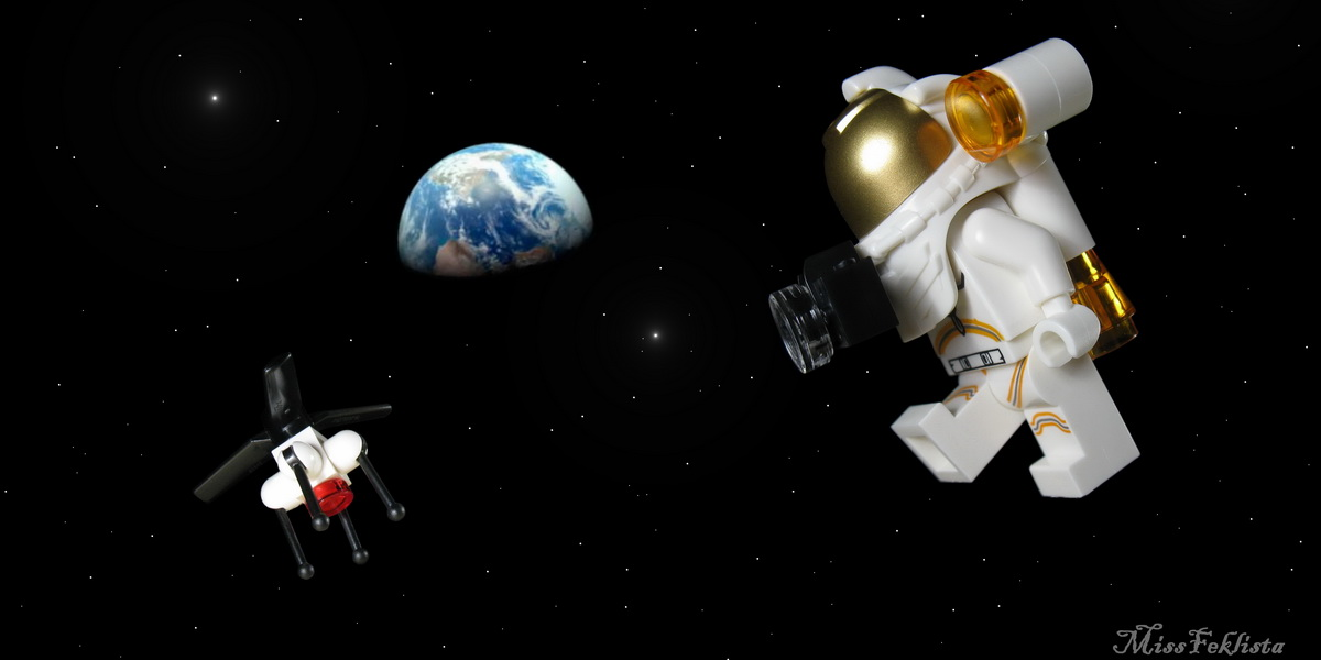 LEGO Space Research and Development 60230 Review