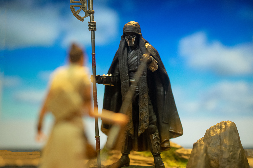In honor of the Star Wars: The Rise of Skywalker premiere, we've gathered our favorite toy photos featuring action figures from the film.