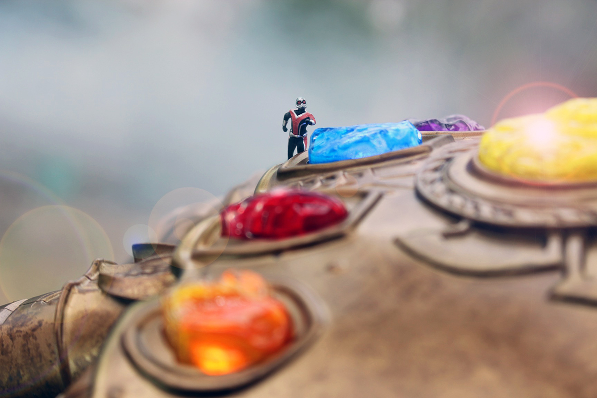 Tiny Ant-Man on the 1:1 Marvel Legends Infinity Gauntlet