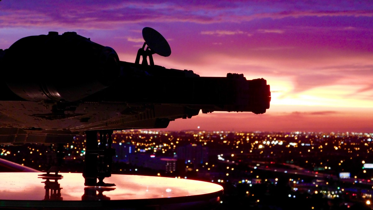 @3.75Galaxies Talks Star Wars, Silhouettes Storytelling & Toy Photography