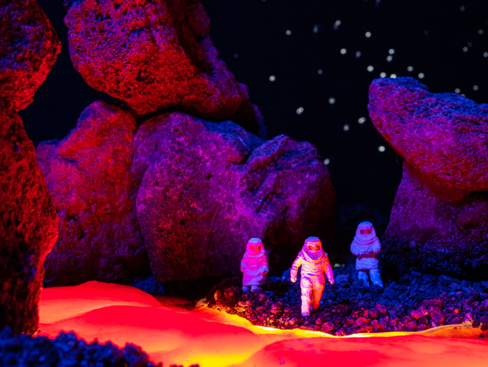 Explorers approach the edge of the interstellar lava flow.