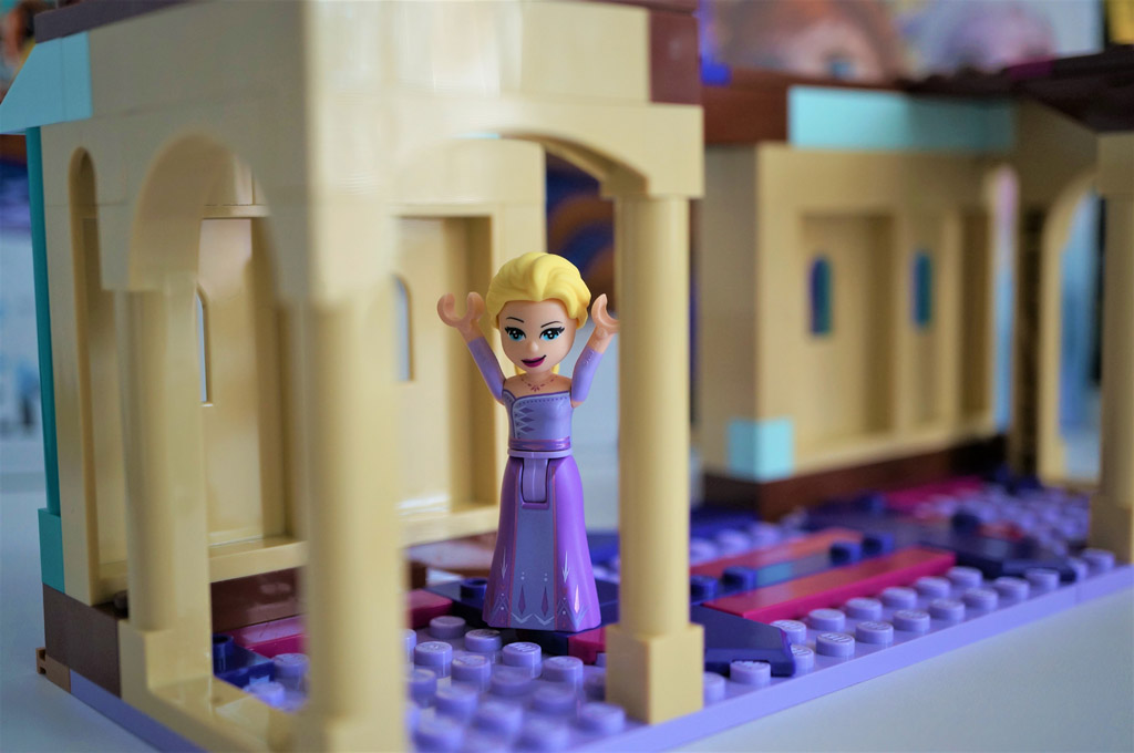 Elsa in castle by Jana Sabé Skálová