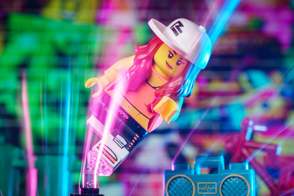 LEGO CMF SERIES 20 Hip Hop Girl minifigure busting a move