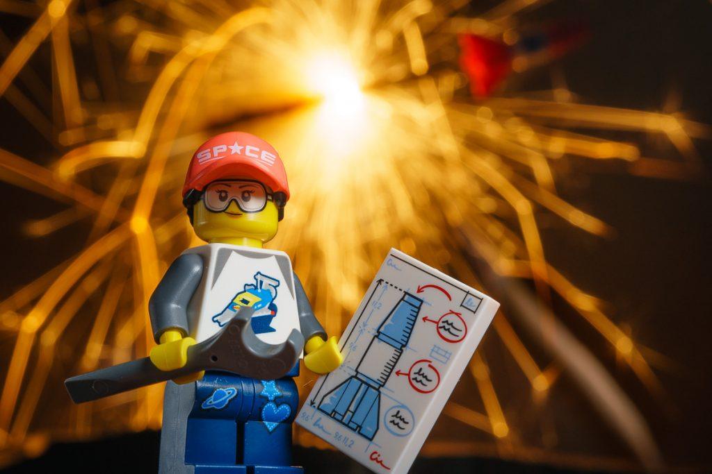 LEGO CMF SERIES 20 Rocket Girl Minifigure