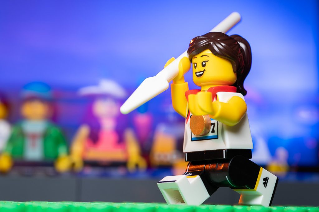 LEGO CMF SERIES 20 Field Athlete