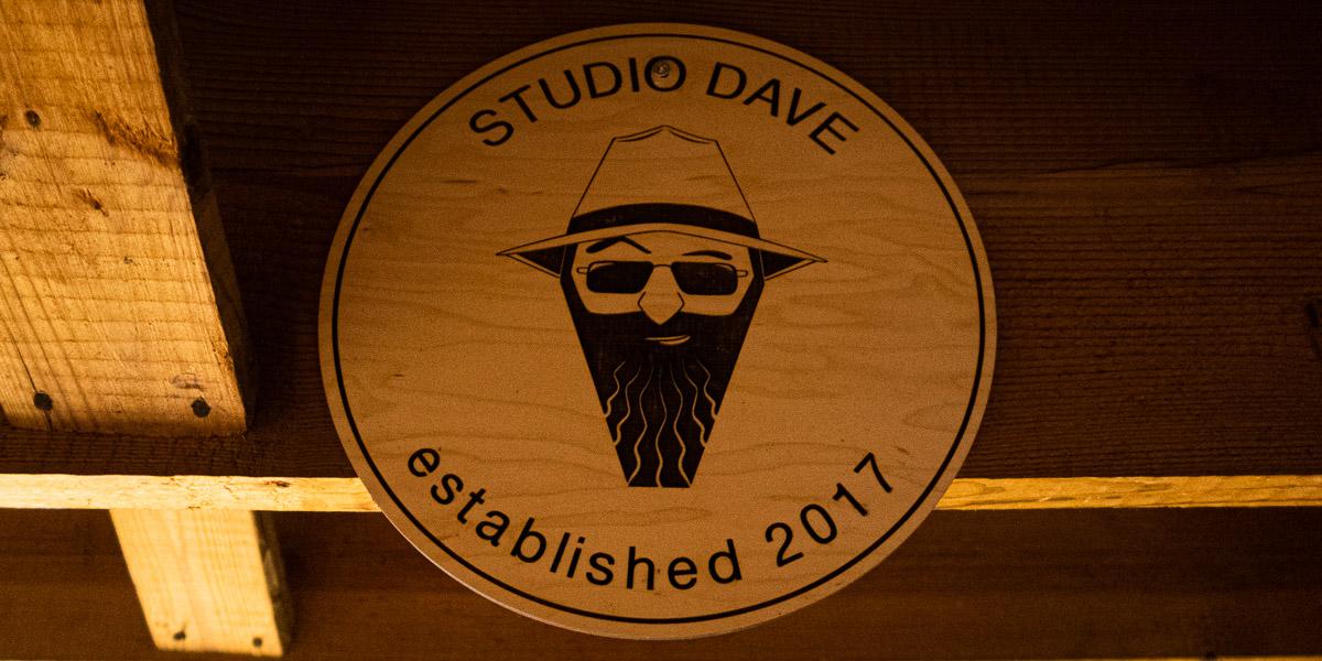 Studio Dave sign