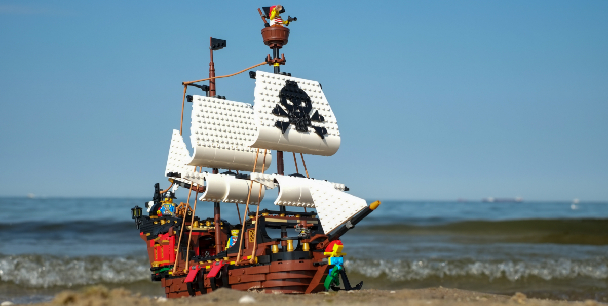 Ahoy! LEGO Creator 3-in-1 Pirate Ship (31109) Review