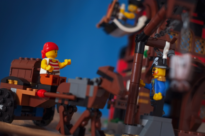 LEGO pirates minifigures with treasure chest on the wagon