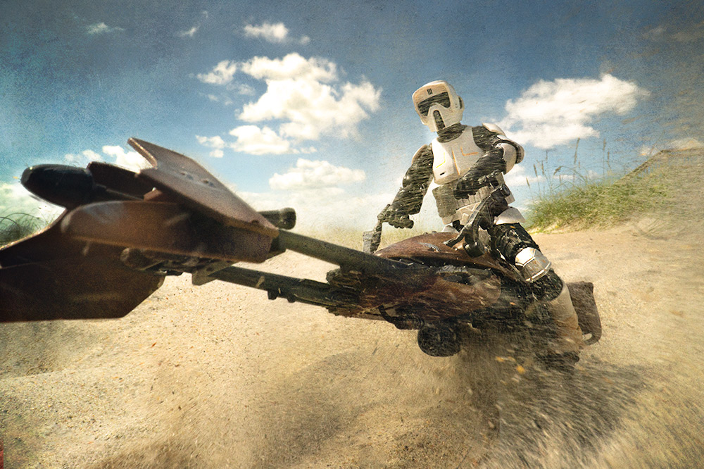 Speeder bike in the sand