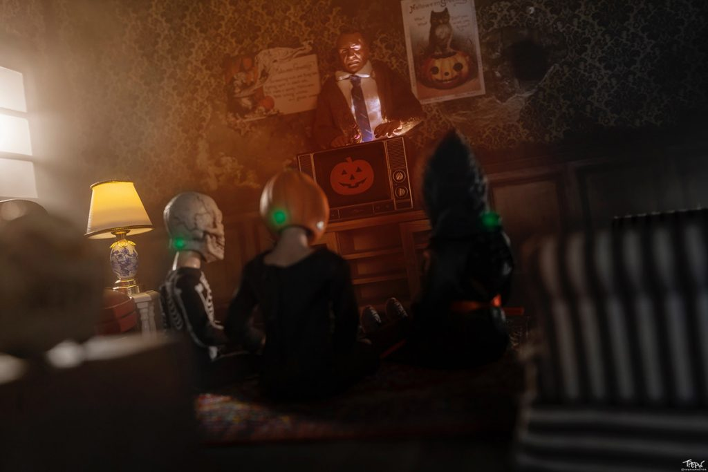 NECA trick-or-treater action figures in Silver Shamrock masks from Halloween III: Season of the Witch
