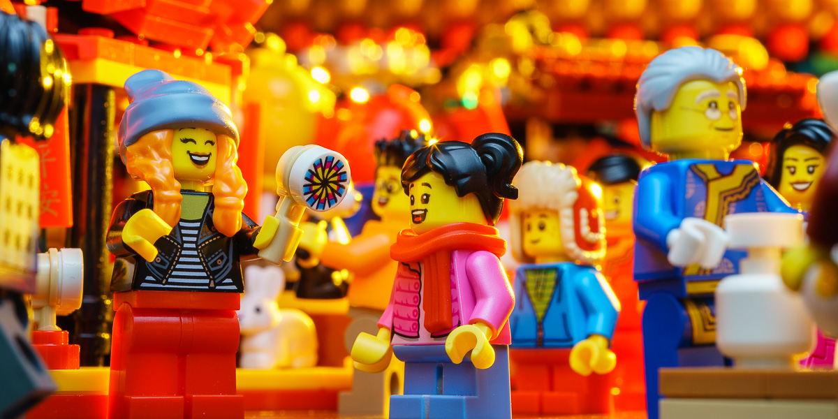A Belated Review: LEGO Chinese New Year Temple Fair (80105)