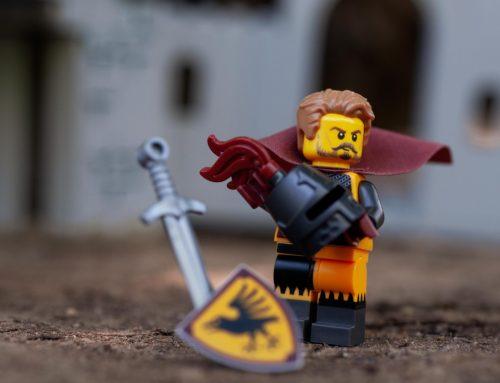 Mega Construx vs. LEGO: A Minifigure Comparison