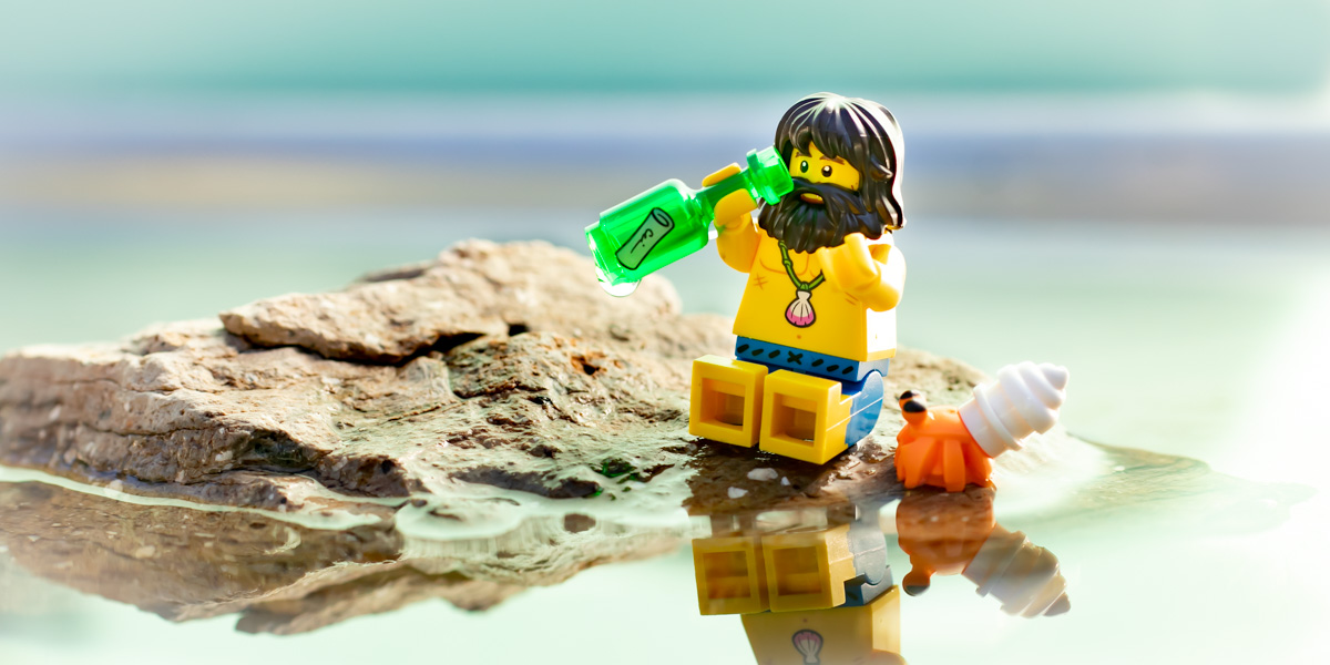 LEGO Minifigures Series 21 Goes Outside (A Review)