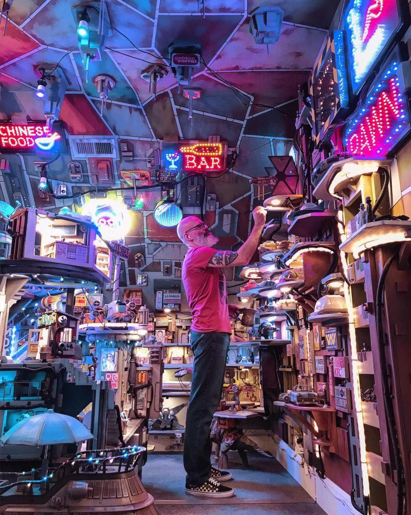 Chris Shaylor, @empiretoyworks, and his Rotgut Station