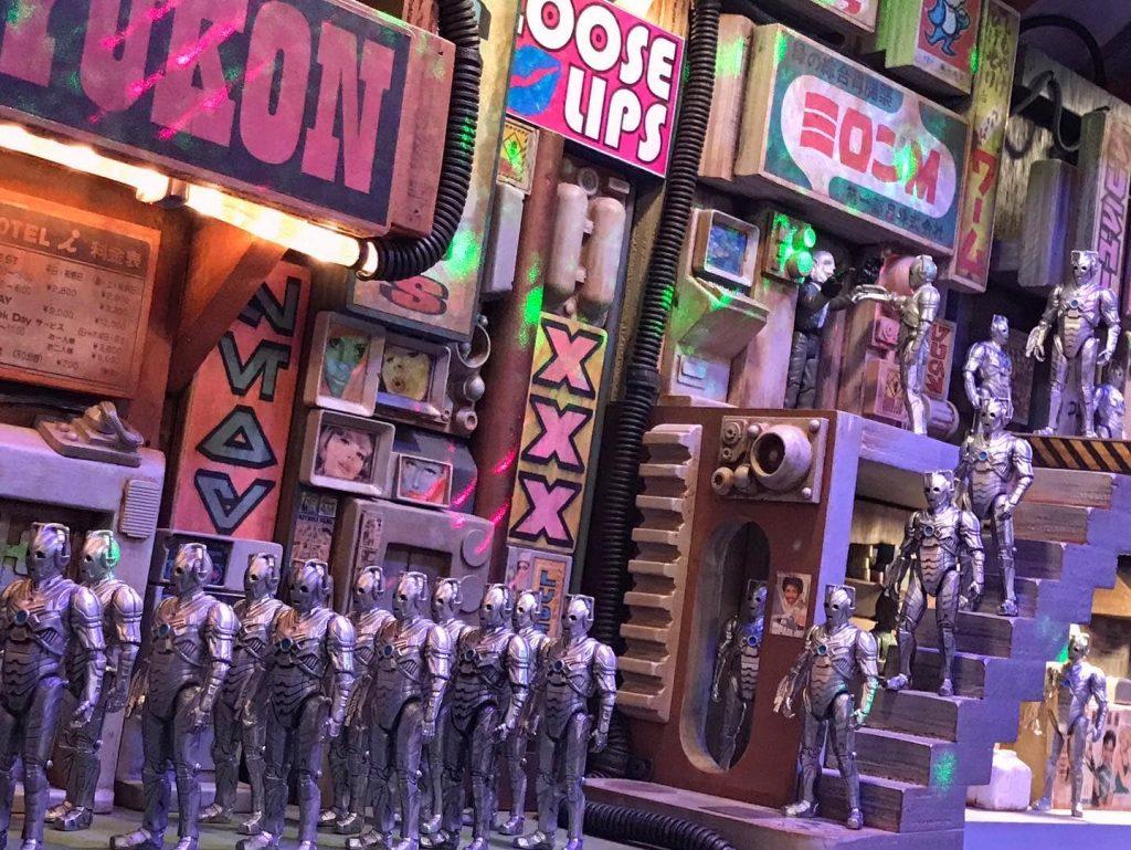 Cyberman army invades Rotgut Station by Chris Shaylor, @empiretoyworks