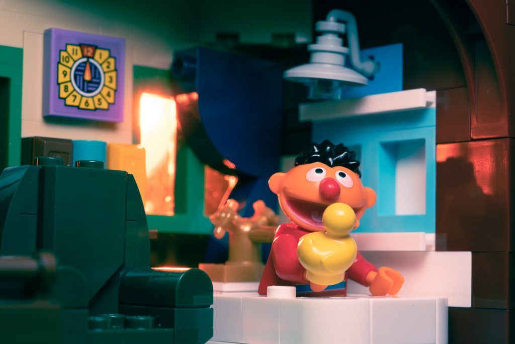 Alan revisits his childhood memories and finds his way to where the air is sweet with a review of LEGO 123 Sesame Street.